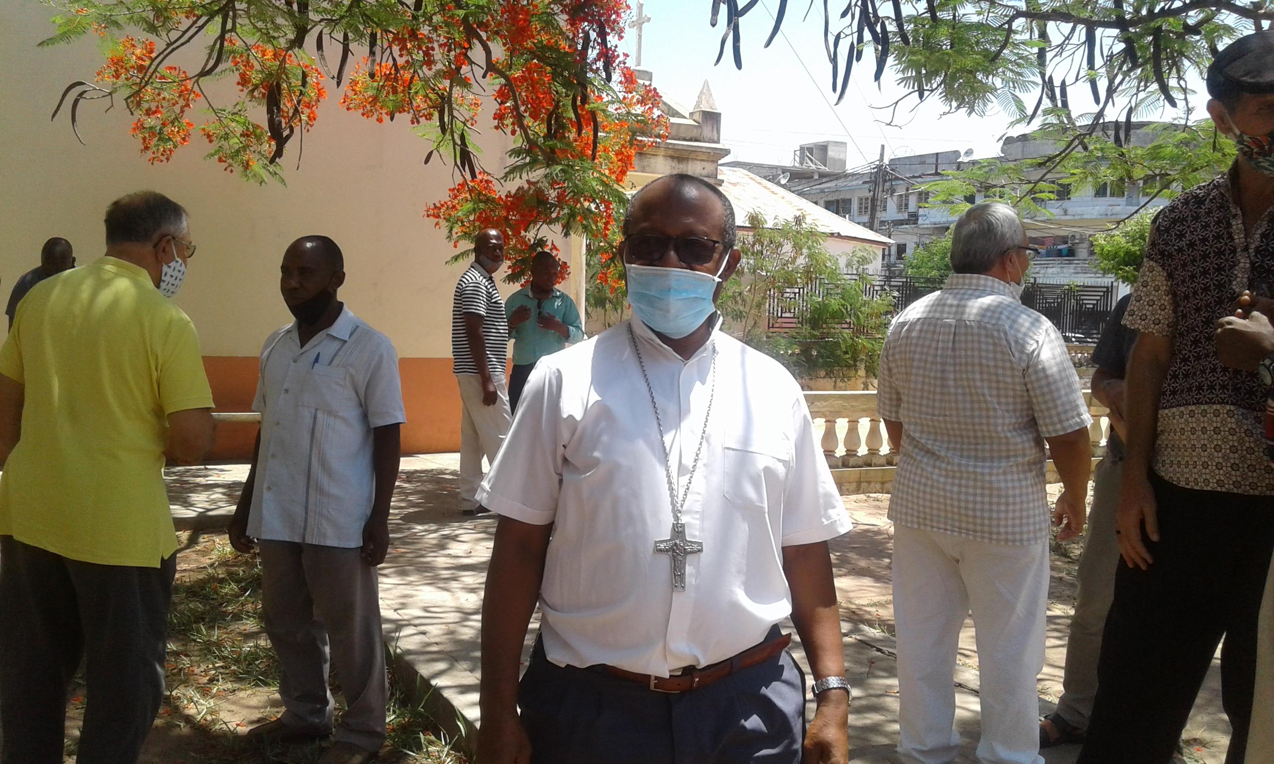 Coronavirus paralisa celebrações litúrgicas