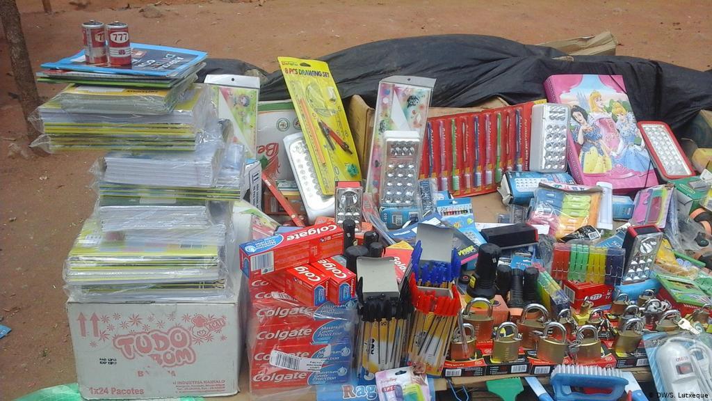 Vendedores de material escolar em Nampula queixam-se da falta de clientes